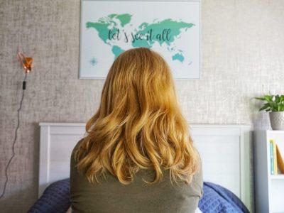 Een wereldkaart aan de muur